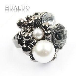 2014 New Fashion Hot Selling Fashion Imitation Pearl Lace Roses Rings Silver Color  (Black)  R205(China (Mainland))