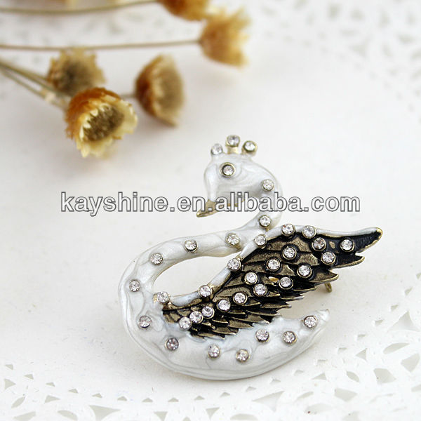 2013 New Coming Fashion Swan Rhinestone Bird Design Brooch Free Shipping(China (Mainland))