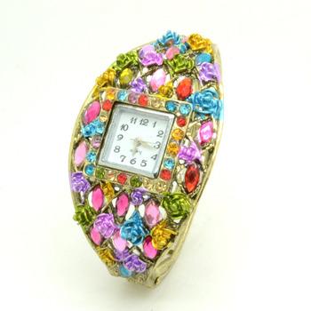 1PC Mulan'S Trendy Bohemian Bracelet Fashion Alloy Ladies Bracelet Watch