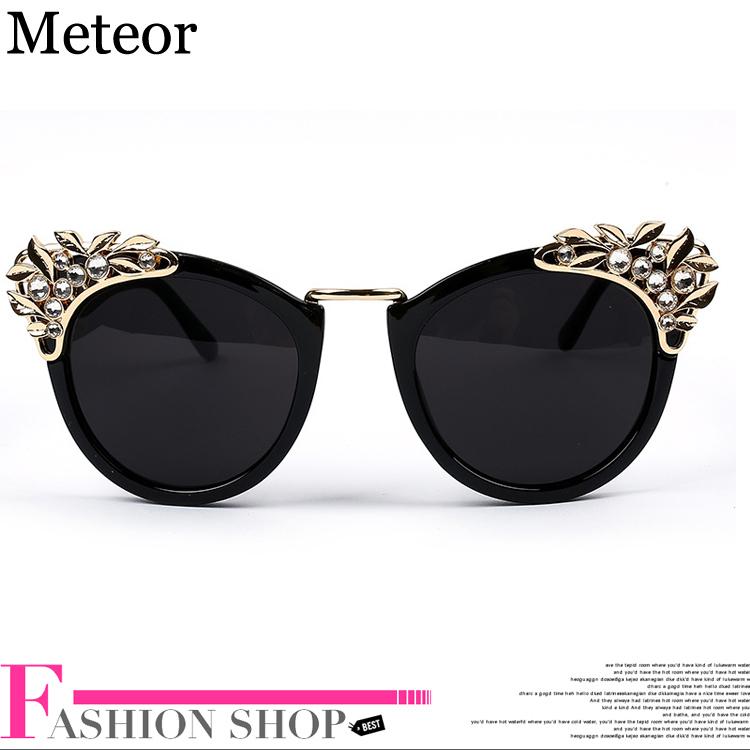 Metal Hollow Carved Diamond Cat Eye Glasses Oculos Feminino 2015,Aesthetic Optical Lens Vintage Sunglasses Women Brand Designer(China (Mainland))