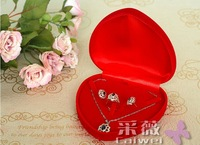 Free shipping Wholesale 8pcs/Lot 12*12.5*4cm Red Fashion Velvet Jewelry Necklace Gift Packaging Display Box Case