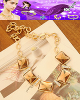 Free shipping.Crystal. Fashion. Female short paragraph. Clavicle necklace.XL-130802-1