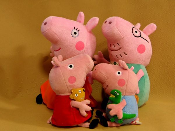 Hot Sale Peppa Pig Toys 4pcs/lot Mummy Peppa Pig George Pig Family Plush Set Stuffed Anime Plush Dolls Baby Toys Free Shipping(China (Mainland))