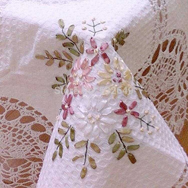 Скатерть с вышивкой лентами своими руками