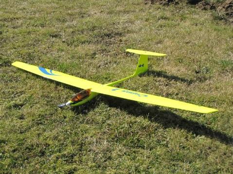 kostenloserversand diy balsaholz Guppy rc flugzeug modell fernbedienung segelflugzeug elektronisches spielzeug Flugplatz flugzeuge hobby f201