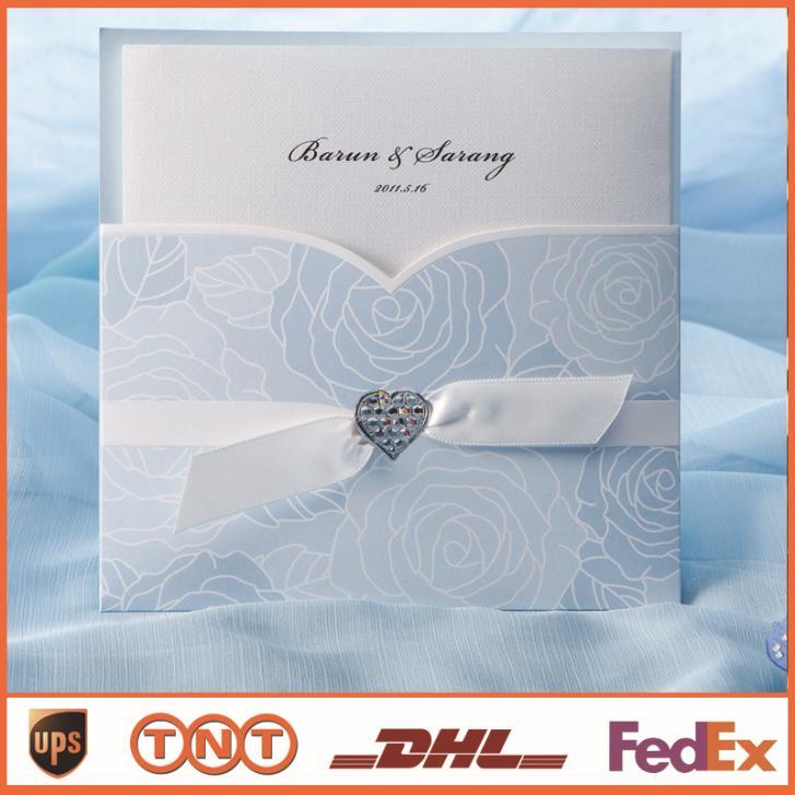 Cartão do convite do casamento de casamento barato Light Blue Com Fita Cartão Laser Cut Convites elegantes HQ0034(China (Mainland))