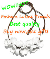 Free shipping Hot Fashion Latest Trends Leather necklace with large plastic flowers/Big flower White Necklace High quality