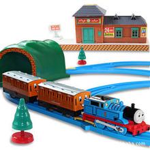 2014 novo thomas trilho de trem bebê / crianças menino modelo eletrônico Thomas e amigos Brinquedos trem do motor brinquedos com trilho para crianças(China (Mainland))