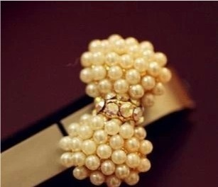 Min.order is $15 (mix order) sweet pearl of bowknot Animal Moblie Chain Dust plug Free shipping(China (Mainland))