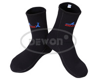 3mm Noeprene diving socks swimming socks prevent scratches keep warm snorkeling  socks for man and woman