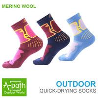 2013 Autumn winter Outdoor sport hiking Moisture antibacterial 100% Merino wool Sock Women semi- thick keep warm sports Socks