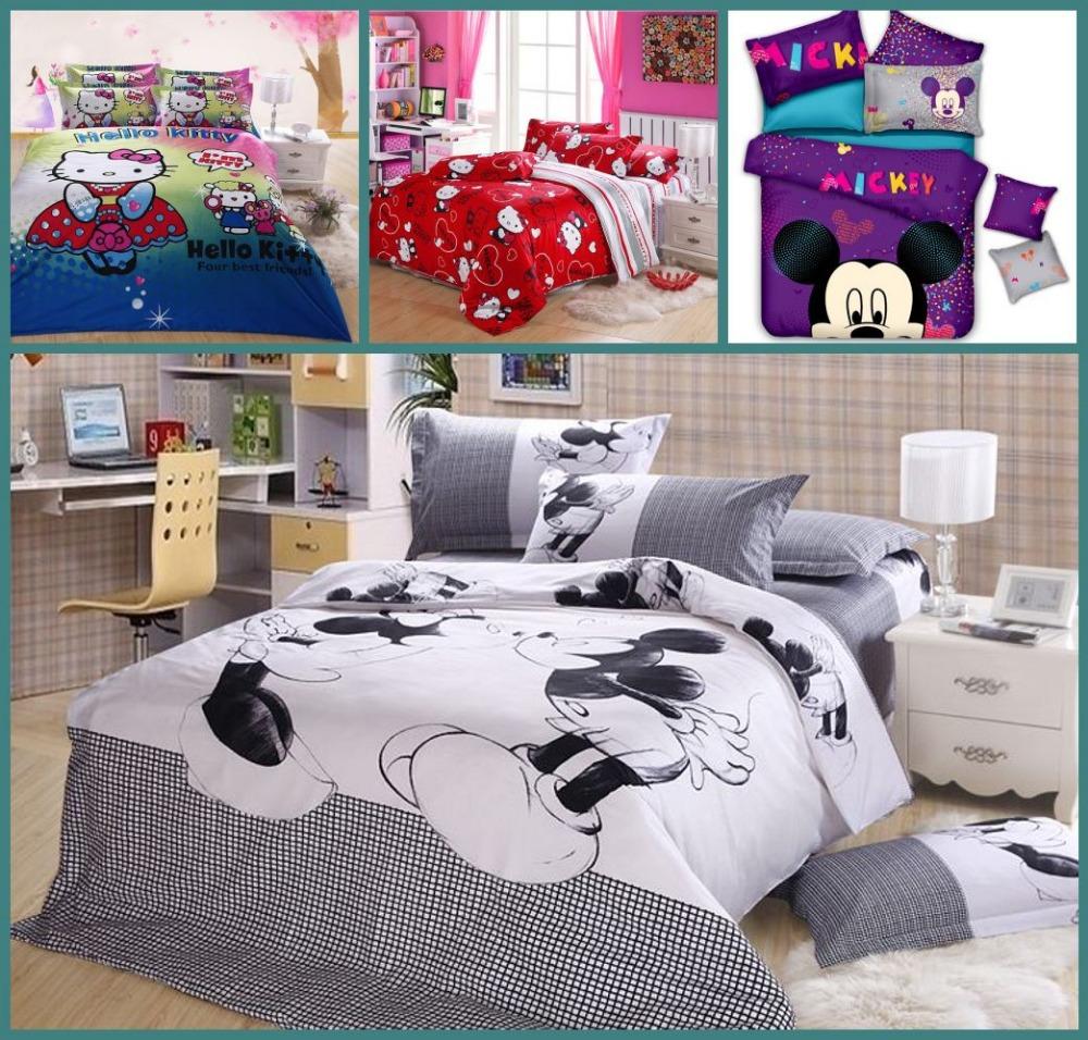 Coton reine taille bonjour kitty mickey mouse et minnie for Housse tour de lit