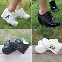popular leather sports shoe