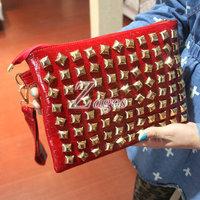 HOT SELL Women's Feax/PU Leather Red Retro Rivet Clutch Bag Shoulder Envelope Pad Bag Handbag