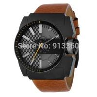 Fashionable Leather Watctband Mens Watch DZ1350