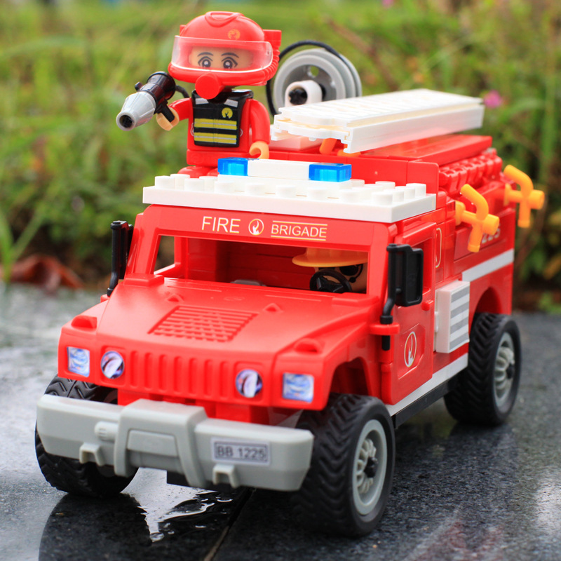 New 2015 To hold small particles building blocks Rescue truck toys free shipping(China (Mainland))