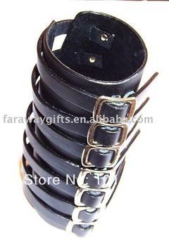 BLACK 7 straps w/buckle closure Gothic leather bracelet