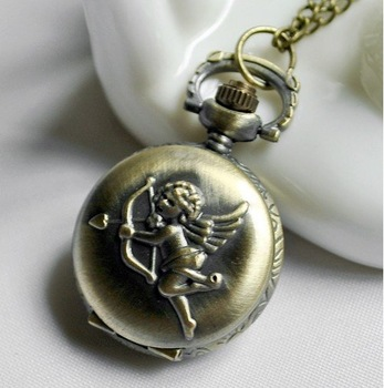 Antique Style Classical Railroad Steam Train Pocket Watch New Gift with chain