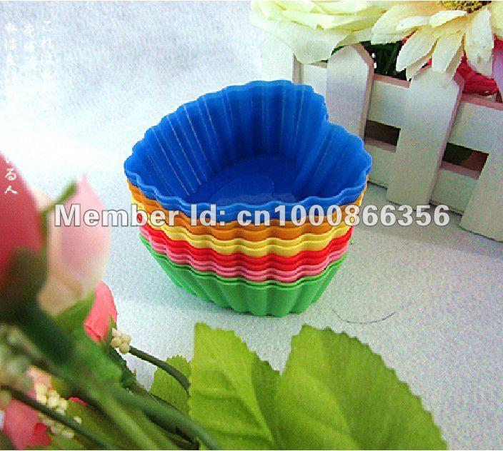 Bolo de Silicone Mold / Coração em forma Cupcake molde / Cupcake forros / 12pcs bakeware Natal / lotes de ferramentas de decoração do bolo / cortador de biscoito(China (Mainland))