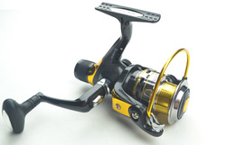 1pcs Fishing Reels A2-MYF10 9BB+1RB 5.2:1 spinning reel lure Tackle(China (Mainland))