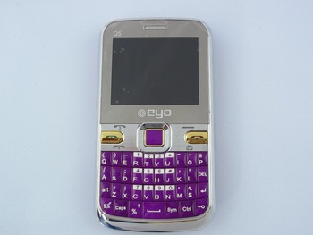 Free shipping - eyo - Q5 Unlocked GSM 3 SIM Cards TV Celular Mobile Phone PURPLE Color