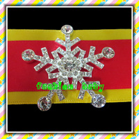 40mm fashion style rhinestone snowflake brooch for invitation cards