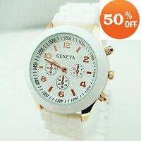 Wholesale fashion silicone rubber strape quartz watch men women ladies students wrist watch agv008