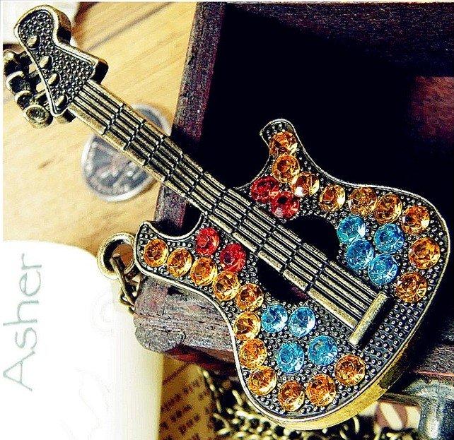 Hot Selling Multicolor Rhinestone Guitar Pendant Necklace N109(China (Mainland))