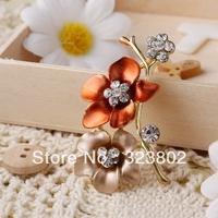 Hot Sale Fashion Bling Brooch Rhinestone Inlay Gold Plated Zinc Alloy Flower for Wedding or Party Free Random Shipping