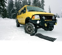 VCAN 4X4 RECOVERY TRACTION 100cm Car Recovery Tracks Anti-slip Snow Chains for Snow, Sand,Muddy,Ice High Quality New design