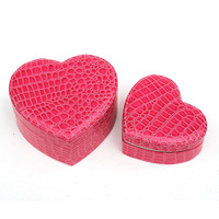 Big Dscount ! The Best Gift For Lovely Girl In Valentine's day & heart-shaped cosmetics box Make up box Makeup bag Free shipping