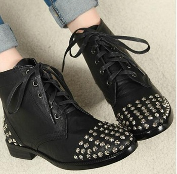 2014 new fashion British style vintage women flats martin rivets punk women boots ankle autumn boots student women shoes