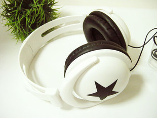 Mix style Star Pattern 3.5mm Stereo Headphone Big star earphone for MP4 MP3 mobile phone Laptop music headset ear buds