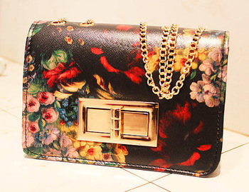 Free shipping  2013 spring  vintage oil painting flower messenger bags chain bags high quality  $10 women pu leather black bags