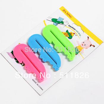 FreeShipping 3 pcs Toothpaste Tube Squeezer Easy Press Dispenser Crocodile  8599