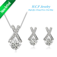 Free shipping 2013 Stores Selling Fashion Crystal Jewelry Set 18K GP Eight Heart Earrings Necklace set  flowers Christmas Gifts