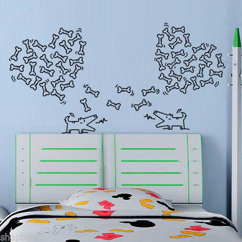 Çeşitli renklerde köpek kovalayan kalp kemik dekor duvar sanatı