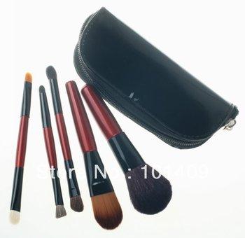 Big Discount!! 5pcs Mini Makeup Brush Set in Black Pouch