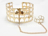 Punk Cool Cuff Bangle with Ring. Gold Plated Charm Bracelet with Chain Heart Design. Wholesale Cheap Jewelry Hot Sell