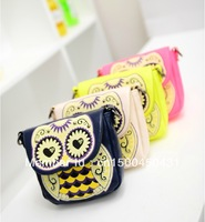 2013 New Chic Fashion Retro Cartoon Owl Print Messenger Bag Retail Handbags With 5 Colors Free Shipping