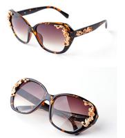 New 2014 Luxury Queen Baroque Sunglasses Women Rose Flower Vintage Girls Oculos De Sol Accessories Retro Gafas Fashion Glasses