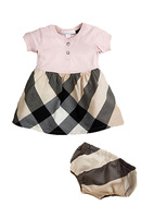 The new 2013 hot sale baby girls summer clothing sets cotton plaid dress+ underwear 2 pieces  for the baby girls