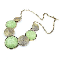 ladies jewelry exaggerated creative round metal rotating circle pattern inlaid turquoise jewelry necklace Vintage Bib Necklace