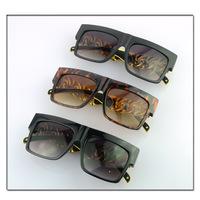 New 2014 Metal Arm Summer Sunglasses Men Kim Kardashian Beyonce Celebrities Women Gold Chain Glasses Square Girls Oculos De Sol