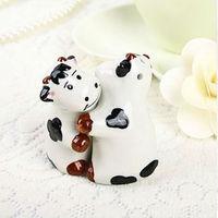 Free Shipping  wedding favor cow salt shaker  kitchen supplies kitchenware Hotel Supplies GIfts Baby Shower