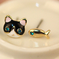 0575 Min. order $10 (mix order) Free shipping New arrival beautiful cute cat fish crystal eyes stud earrings for lady
