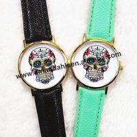 2015 New Fashion Geneva Style Casual Skull Man Woman Watch Ladies Golden Quartz Watches Women Dress Wristwatch Relogio Feminino