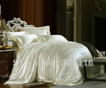Free Shipping   100% luxurious 4pcs bedding set / bed sheet /comforter set /duvet cover
