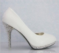 Free shiping 8cm sexy  high heeled,  OL Lady shoes, wedding shoes, white  free gift