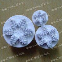 Free shipping,Plastic 3pcs snowflake shape cake plunger cutters set,Cake Fondant Mold